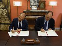 Miguel Ángel Villanueva (Delegado de Economía, Empleo y Participación Ciudadana del Ayuntamiento de Madrid), y Roque de las Heras (Presidente del CEF).