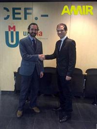 Arturo de las Heras y Borja Ruiz tras firmar el acuerdo.