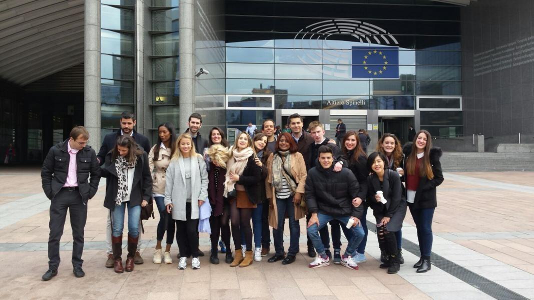 Alumnos del Máster en Negocios Internacionales del CEF.- en el Parlamento Europeo