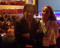 La autora de esta crónica, Ángeles Díez, junto al director de Comunicación, Luis Miguel Belda