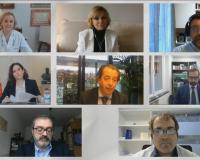 Imagen de los ponentes y autoridades durante la última mesa redonda.