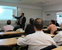 Albacete, durante su conferencia: (Fotografía: CEF.- Barcelona)