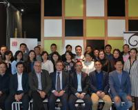 Imagen de grupo de profesores y alumnos.