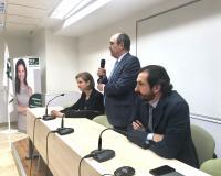 Roque de las Heras comunica los cambios, en compañía de sus hijos Arancha y Arturo